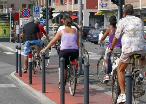 Più ciclabili in città, finanziati i primi progetti frutto della proposta 5 stelle