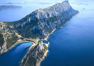Energia, Girotto (M5S): su isole minori autorità in ritardo su fabbisogno rinnovabili