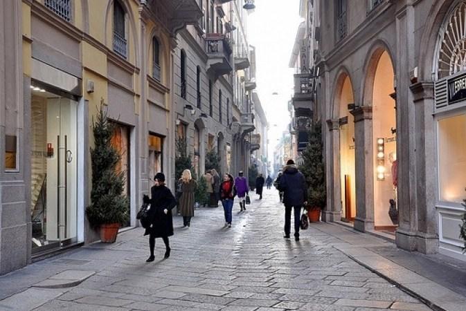 Orari negozi, con la nostra proposta di legge diamo una spallata definitiva alle liberalizzazioni selvagge di Monti