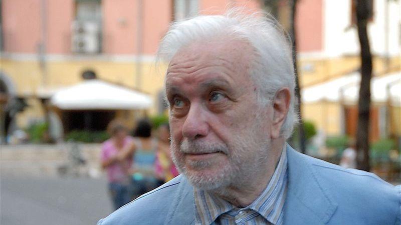 Addio Luciano De Crescenzo. Tuoi libri eredità immensa per generazioni future