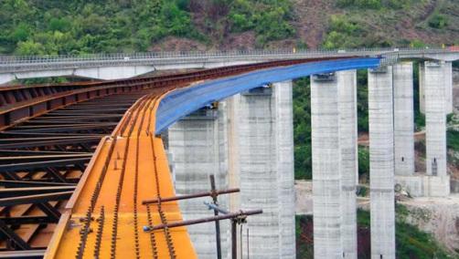 Infrastrutture: Bene impegno De Micheli per opere davvero utili al Paese