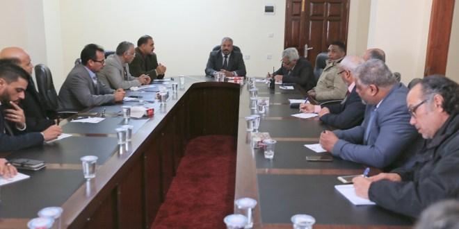 رئيس ديوان مجلس النواب المكلف يجتمع بمدراء الإدارات و المكاتب