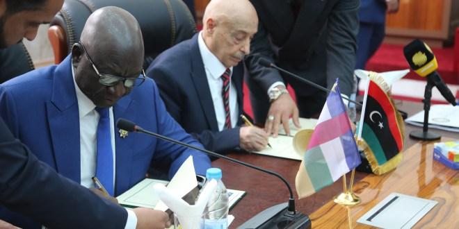 المتحدث الرسمي: توقيع إتفاقيات تعاون مشترك بين البلدين خلال إجتماع فخامة رئيس مجلس النواب والسادة النواب بوفد افريقيا الوسطى