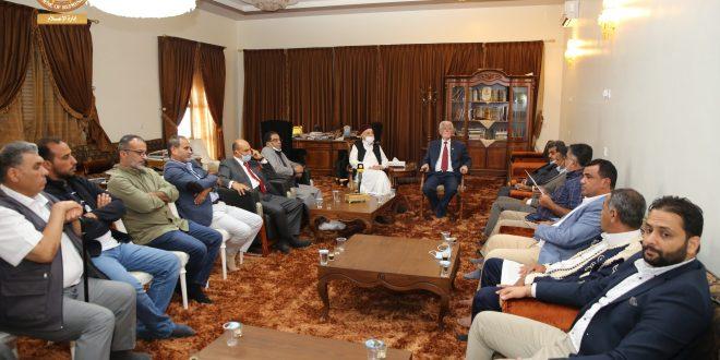 فخامة رئيس مجلس النواب يلتقي عدد من نشطاء المجتمع المدني وأعضاء النقابات الليبية