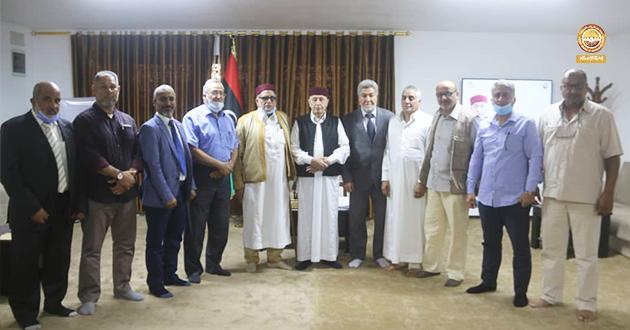فخامة رئيس مجلس النواب يلتقي أعيان وحكماء مصراتة بالمنطقة الشرقية