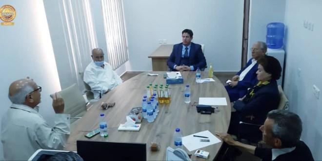 رئيس لجنة الخارجية يجتمع بمستشاري وزارة الخارجية