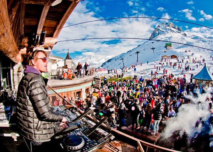 The party scene at Tea del Vidal in Livigno, Italy