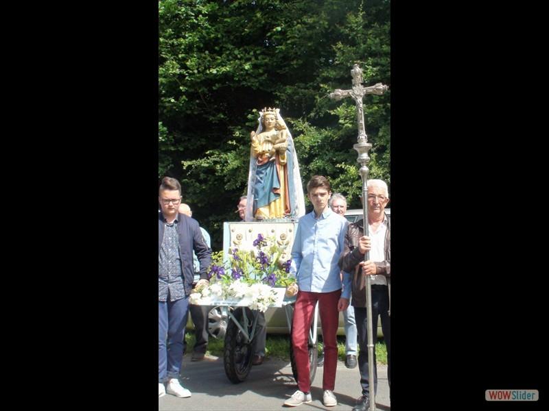 Le pardon de Lokmaria 2017 ND de la Joie durant la procession