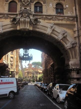 Coppedè, Arco di via Tagliamento