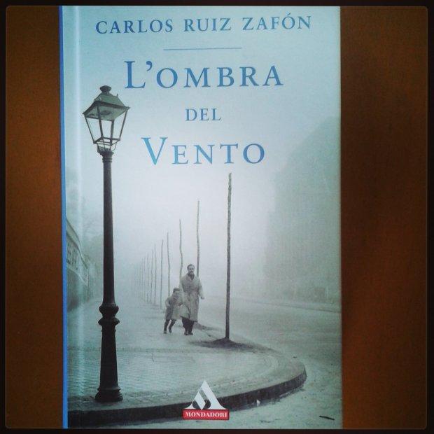L-ombra-del-vento-Carlos-Ruiz-Zafòn-recensione