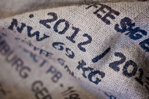 Corsa coi sacchi (immagine via Free Stock Photos)