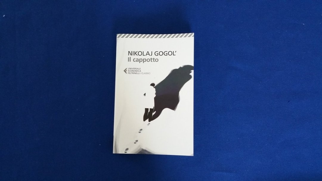 Recensione: Il cappotto di Nicolaj Gogol', una lettura fuori stagione