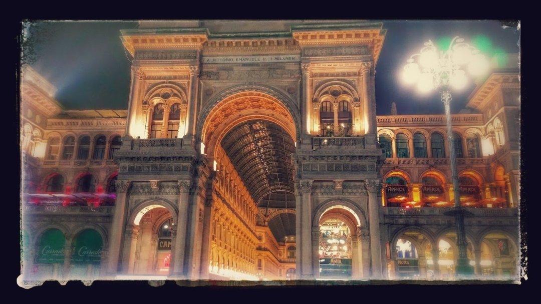 Milano, a spasso tra scienza, arte e cartolerie