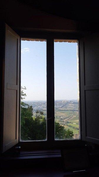 finestra sulle Marche da Villa Colloredo Mells