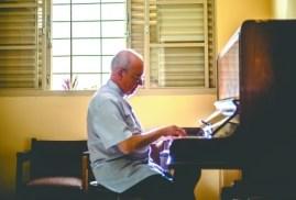 25-04-2016-10-03-02-60-anos-de-musica-do-maestro-padre-ney-brasil-01-marco-2016-57237-copy