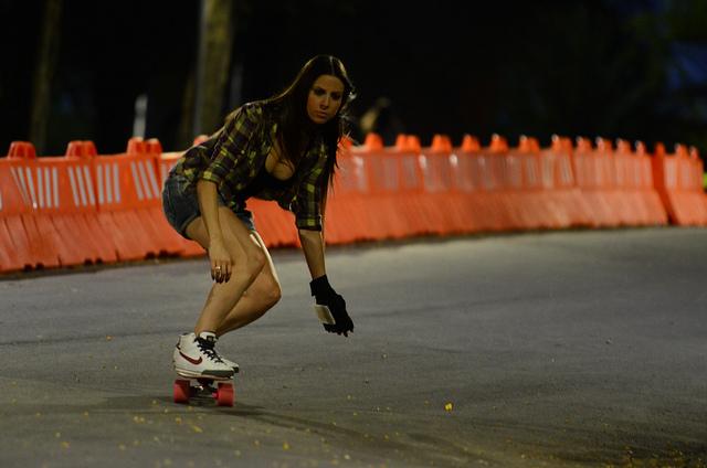 Skate é para todos. Vide Cintia por Alex Busnello do: longboardskates.blogspot.com.br/