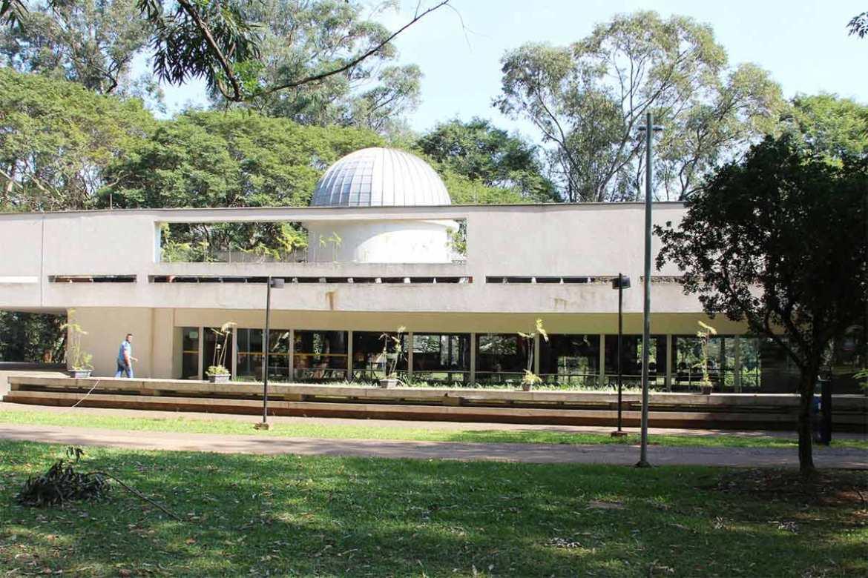 Escola Municipal de Astrofísica.