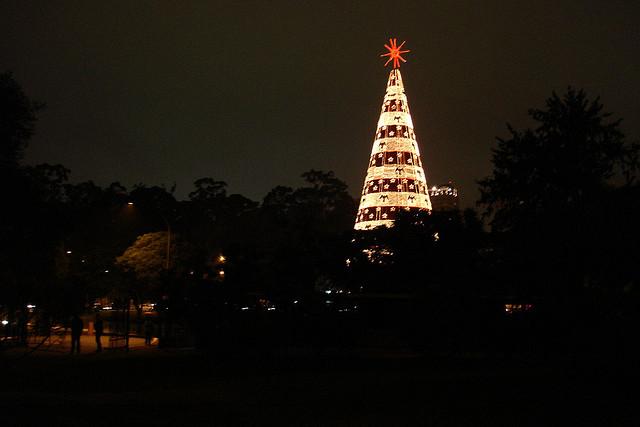 Foto Delma Paz (CC) - Árvore de Natal 2006 - Ibira.org