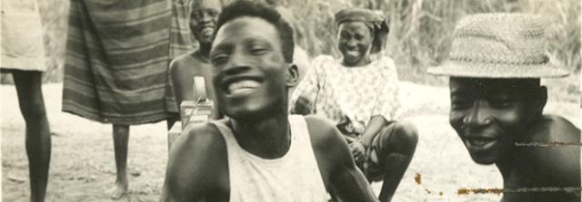Dois entrevistados sorridentes, Nigéria, 1951 Créditos: Coleção Lorenzo Dow Turner, arquivos do Anacostia Community Museum, Smithsonian Institution, doação de Lois Turner Williams.