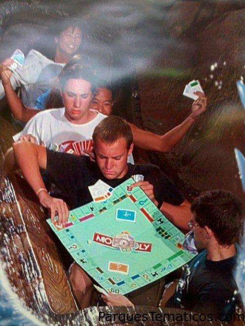 Splash Mountain jugando al Monopoly
