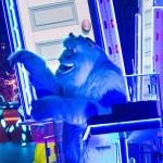 Deleita tus sentidos al presenciar este electrizante espectáculo con tus queridos personajes de Disney. Cuando las luces bajan en El Lugar Más Feliz del Mundo, es cuando luce más brillante por la Celebración de Diamante del Disneyland Resort, gracias al nuevo desfile Disney Paint the Night, ¡presentado por primera vez el 22 de mayo de 2015!