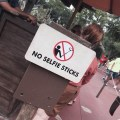 Selfie Sticks prohibidos en Disney