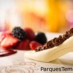 Cinderella's Royal Table, el famoso zapato de cristal realizado en chocolate, se puede solicitar a Disney 72hs antes