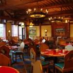 Sector de mesas de Whispering Canyon Cafe