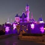 El castillo se viste de Halloween en Disneyalndia California