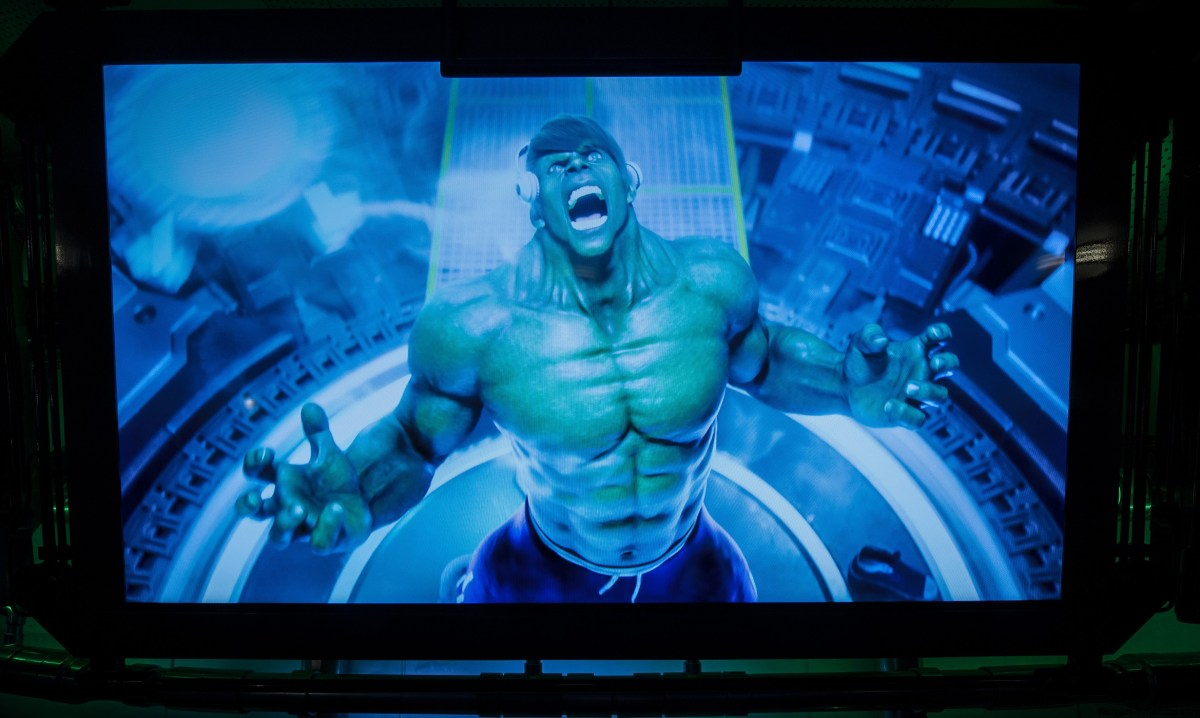 Universal Orlando celebra la reapertura de The Incredible Hulk Coaster