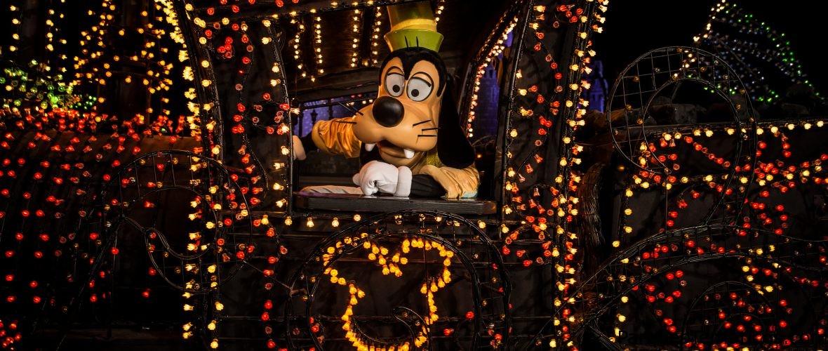 El Main Street Electrical Parade regresa en enero, iluminando Disneylandia California