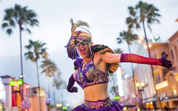 Mardi Gras Hollywood New York Parade Food Beads