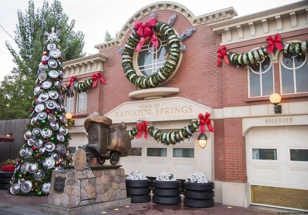 Fiestas Navideñas regresan al Disneyland Resort del 10 de noviembre de 2017 al 7 de enero de 2018