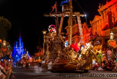 Ver 'Mickey' s Boo-To-You Parade '#DisneyParksLIVE Stream de Mickey's Not-So-Scary Halloween el 22 de septiembre