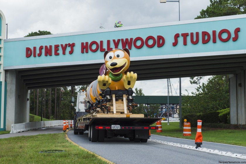 Slinky Dog Dash Ride Vehicle Arrival at Disney´s Hollywood Studios en Walt Disney World