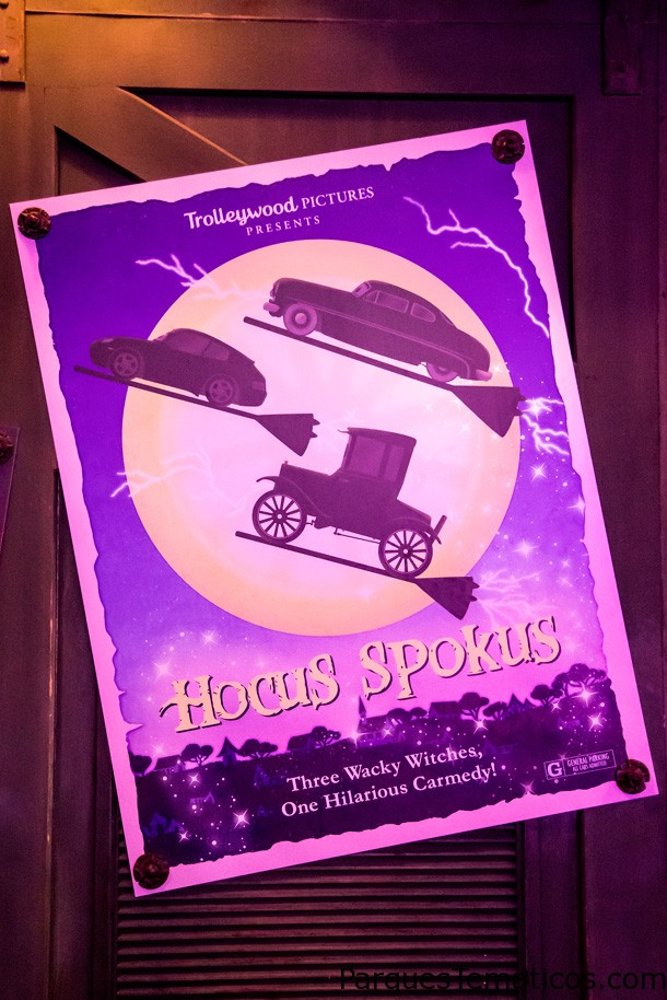 Un paseo en el parque – After Dark: Haul-O-Ween en Cars Land en Disney California Adventure
