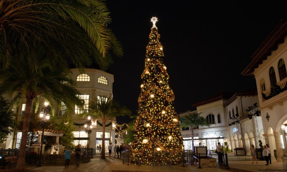 Compras navideñas y nuevas tradiciones familiares en Disney Springs