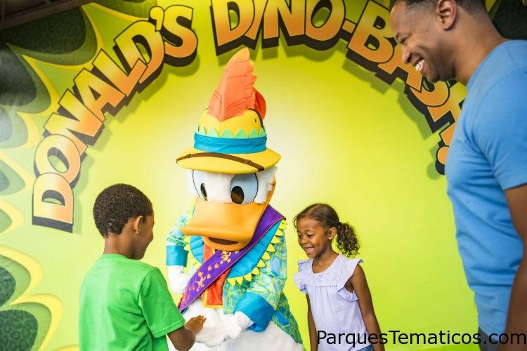 Donald's Dino-Bash! Donald Duck Meet and Greet