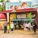 Woody's Lunch Box da un Giro Moderno a Platos Clásicos en Toy Story Land