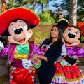 Salma Hayek fan de Halloween en Disneyland Paris