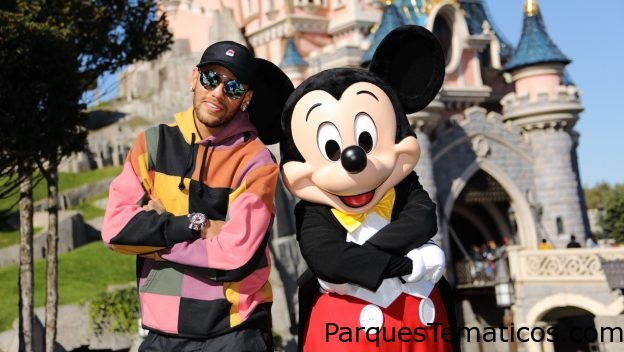 Neymar Kicks Off World's Biggest Mouse Party at Disneyland Paris