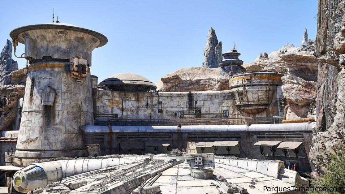 Star Wars: Galaxy´s Edge prepara inauguración y reabre el Castillo de Sleeping Beauty