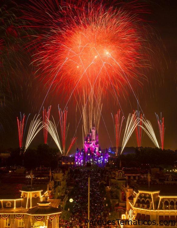 Walt Disney World Resort conmemora el 4 de julio, cumpleaños de América, con espectaculares celebraciones bañadas de estrellas