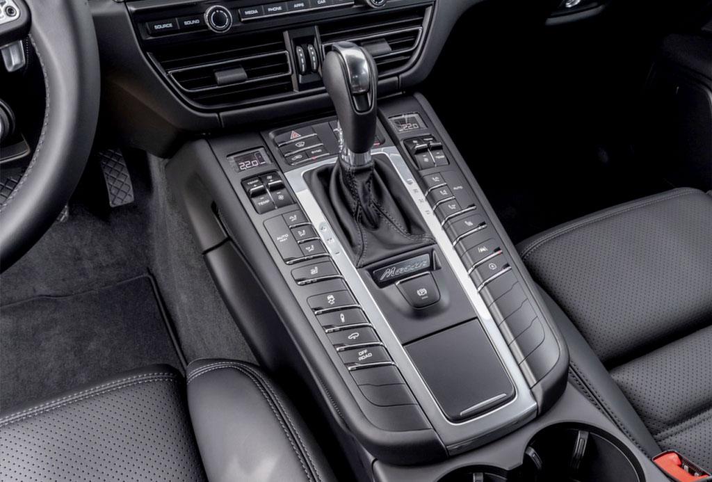 Porsche gearstick close up after interior cleaning