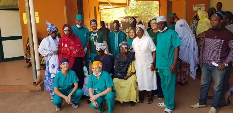 2019 01 Gruppo volontari con Maliani operati