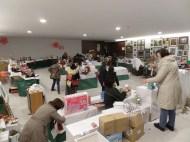 El viernes, preparando la sala para el domingo 4, último día