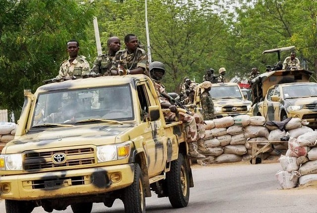 BREAKING: Soldiers take over streets of Abuja
