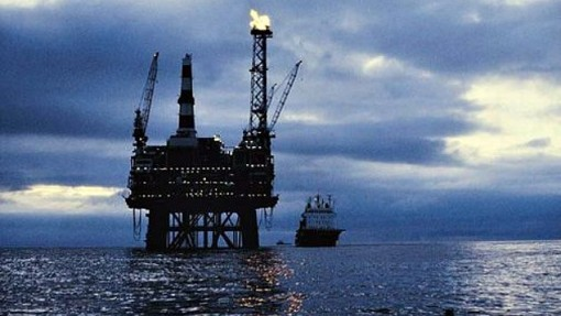 Oil prices continue free fall, may plunge below $20