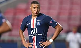 Kylian Mbappe 'tells PSG he will leave next summer'