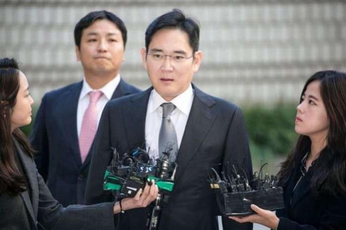 Samsung heir Jay Lee returns to familiar prison after ruling